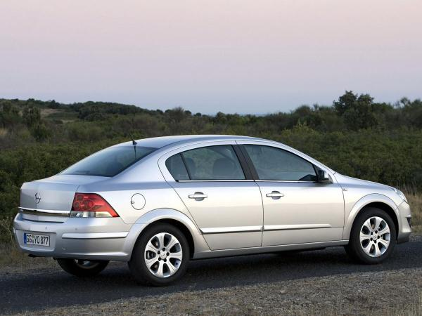 Opel Astra H Sedan 1.7 CDTI (101 Hp)